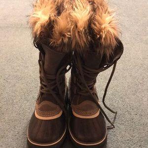 Sorel Shoes - Sorel winter boots.